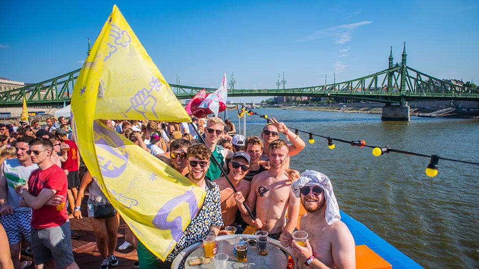 https://cdn2.szigetfestival.com/c5l3bb/f851/tr/media/2019/01/boat_0001_kma_6455.jpg