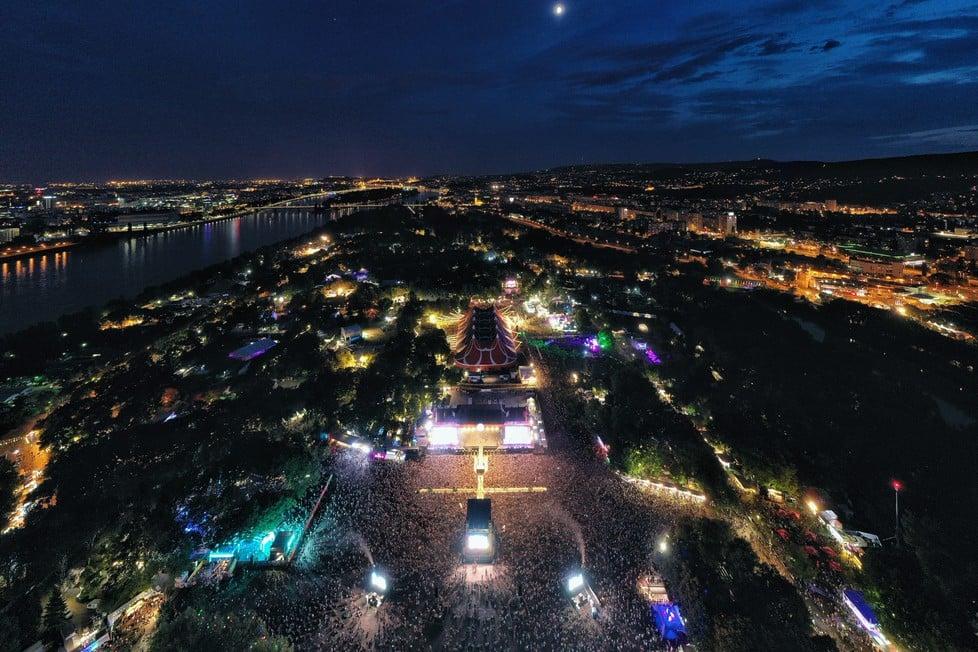 https://cdn2.szigetfestival.com/ci3v2e/f851/ua/media/2019/08/bestof24.jpg