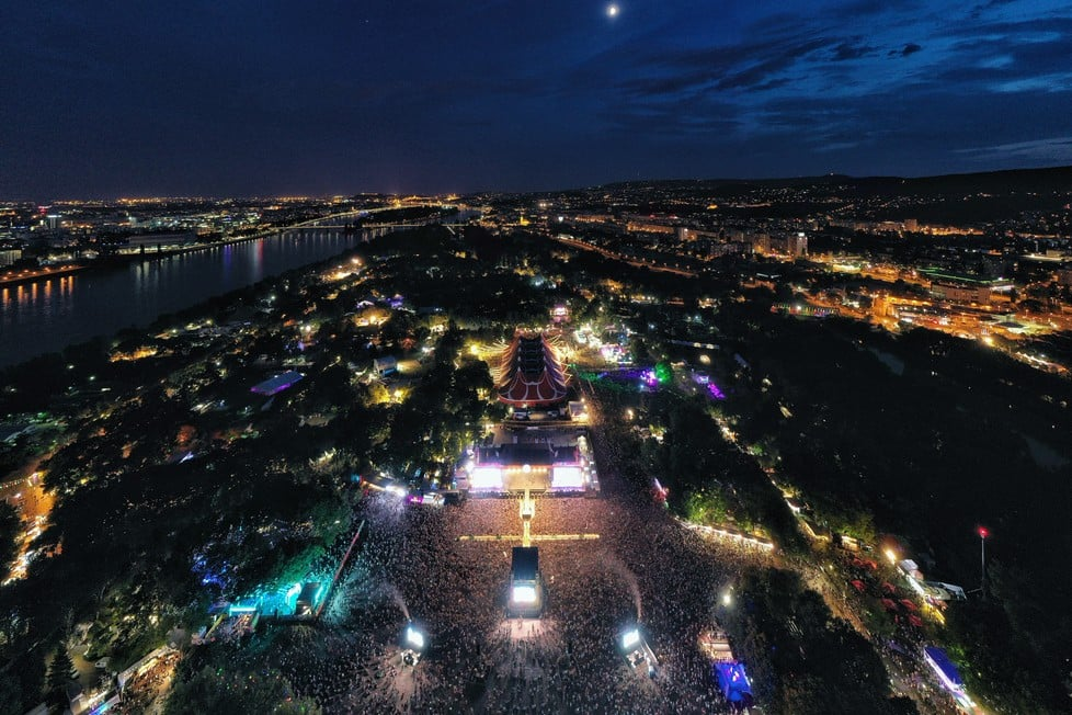 https://cdn2.szigetfestival.com/cbnpwm/f851/ua/media/2019/08/bestof24.jpg