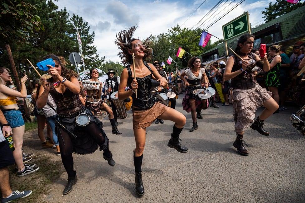 https://cdn2.szigetfestival.com/cgutcp/f851/ua/media/2019/08/bestof35.jpg